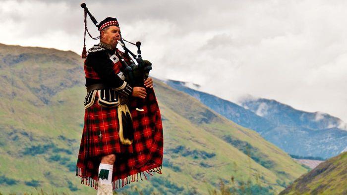 Мужчина-шотландец